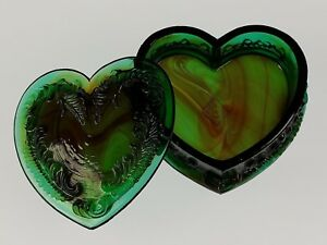 JUNGLE-GREEN-Covered-HEART-BOX-Boyd-039-s-Crystal-Art-Glass-Degenhart-1978-1983-NOS