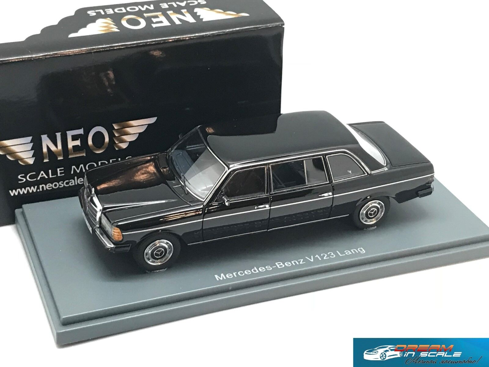 Mercedes Benz W123 Lang nero 1978 NEO44245 1 43