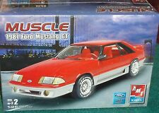 Item 5 AMT 1987 FORD MUSTANG GT FOX BODY COUPE PLASTIC MODEL KIT 1 25 SKILL LEVEL 2