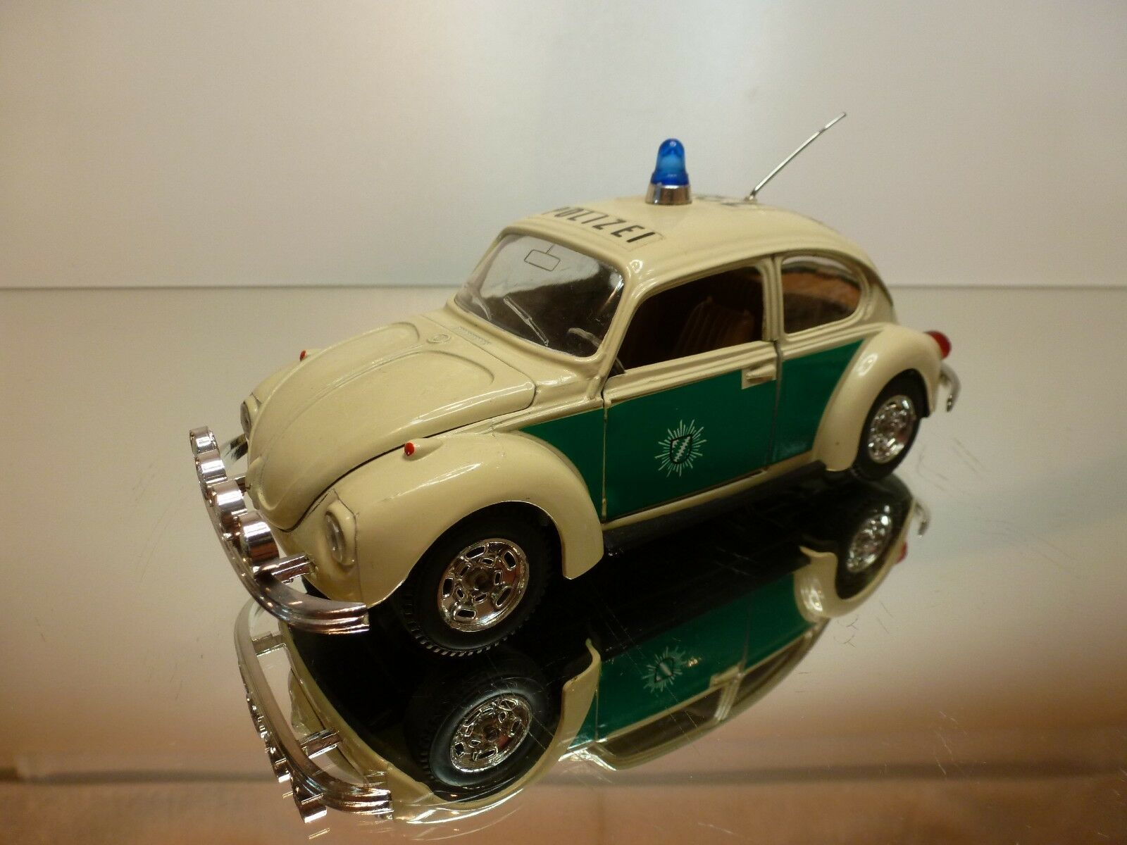 nuevo sádico MEBETOYS 8567 8567 8567 VW VOLKSWAGEN BEETLE POLIZEI - CREAM 1 25 - VERY GOOD CONDITION  entrega gratis
