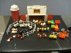 vintage-1967-1968-fisher-price-farm-915-w-grain-silo-and-lot-of-extra-parts-SEE