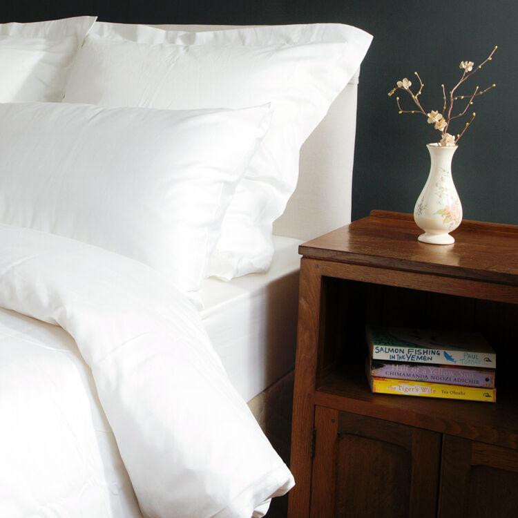 SECONDS Duvet & Pillowcase Set Egyptian Cotton 400tc Weiß Bargain