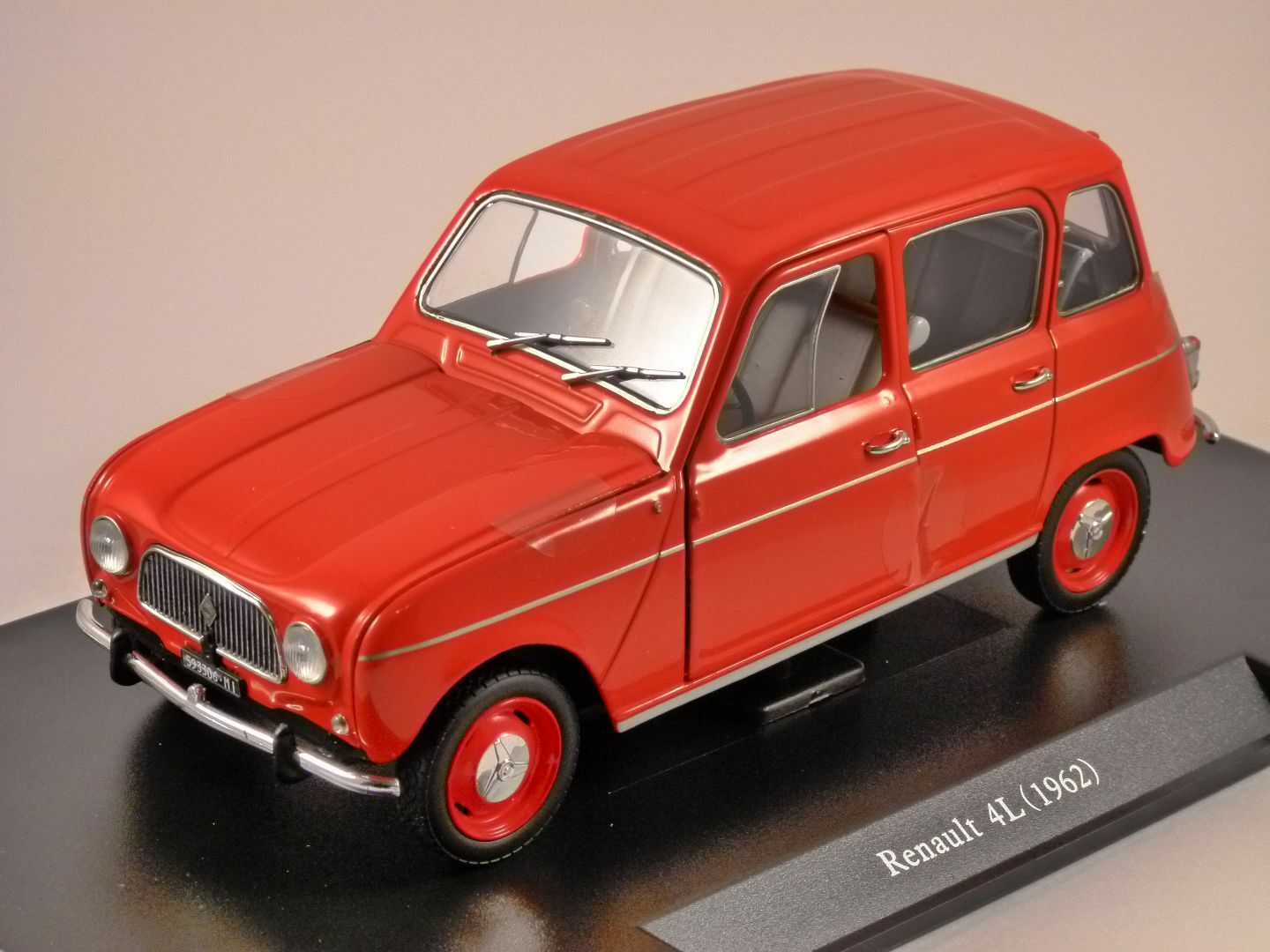 Renault 4L - 1962 scale 1 24