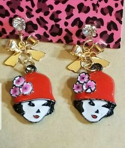 New-Betsey-Johnson-Red-Enamel-Cute-Girl-Hat-Bow-Crystal-Stand-Earrings-Gift
