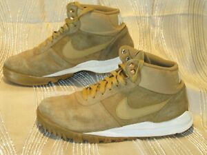 best loved 4202a 38a0b Image is loading Nike-Hoodland-Suede-Mens-Boots-Haystack-Sail-Gum-