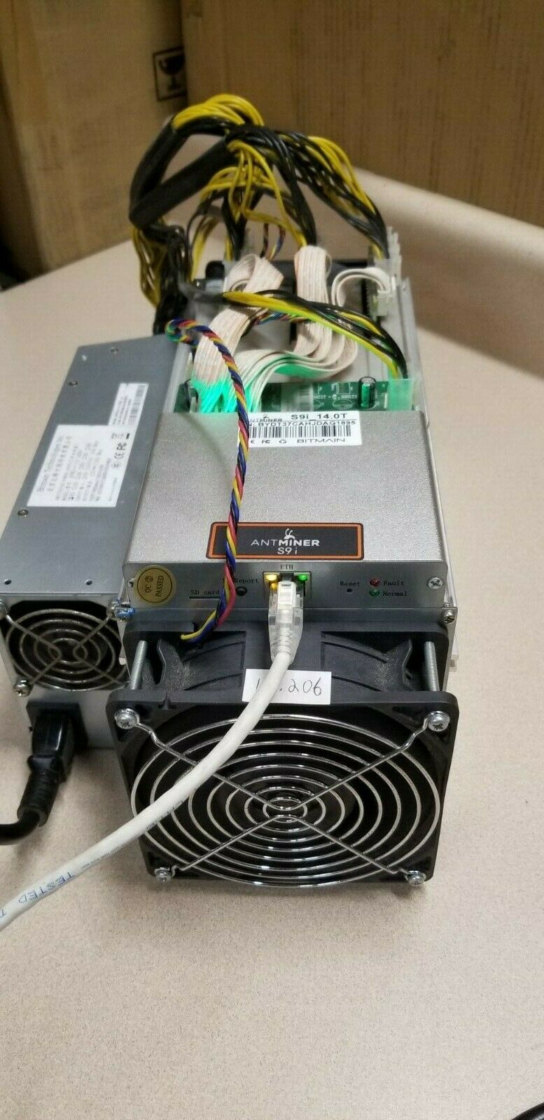 Bitmain Antminer S9i 14 TH/s Bitcoin Miner with 3 650mhz boards 1