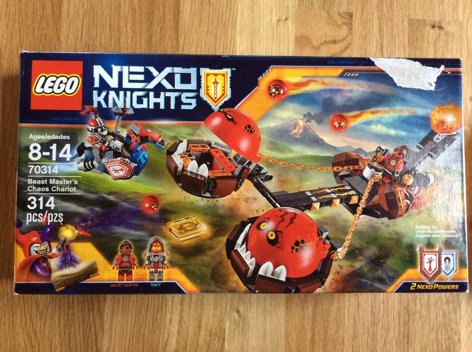 New Lego Nexo Knights set 70314 Beast Master's Chariot Damaged Box