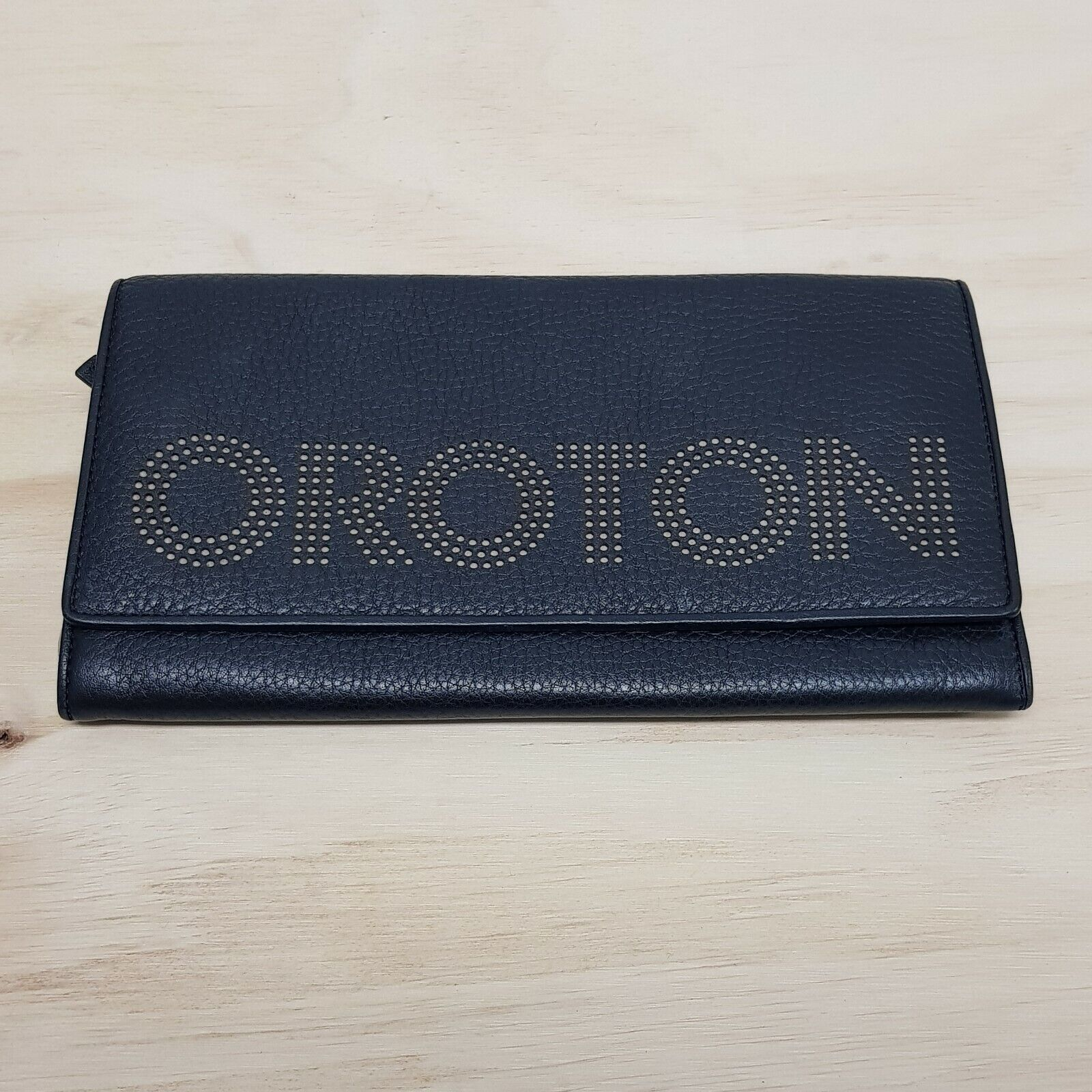 [ OROTON ] Womens Black Leather Travel Wallet RRP