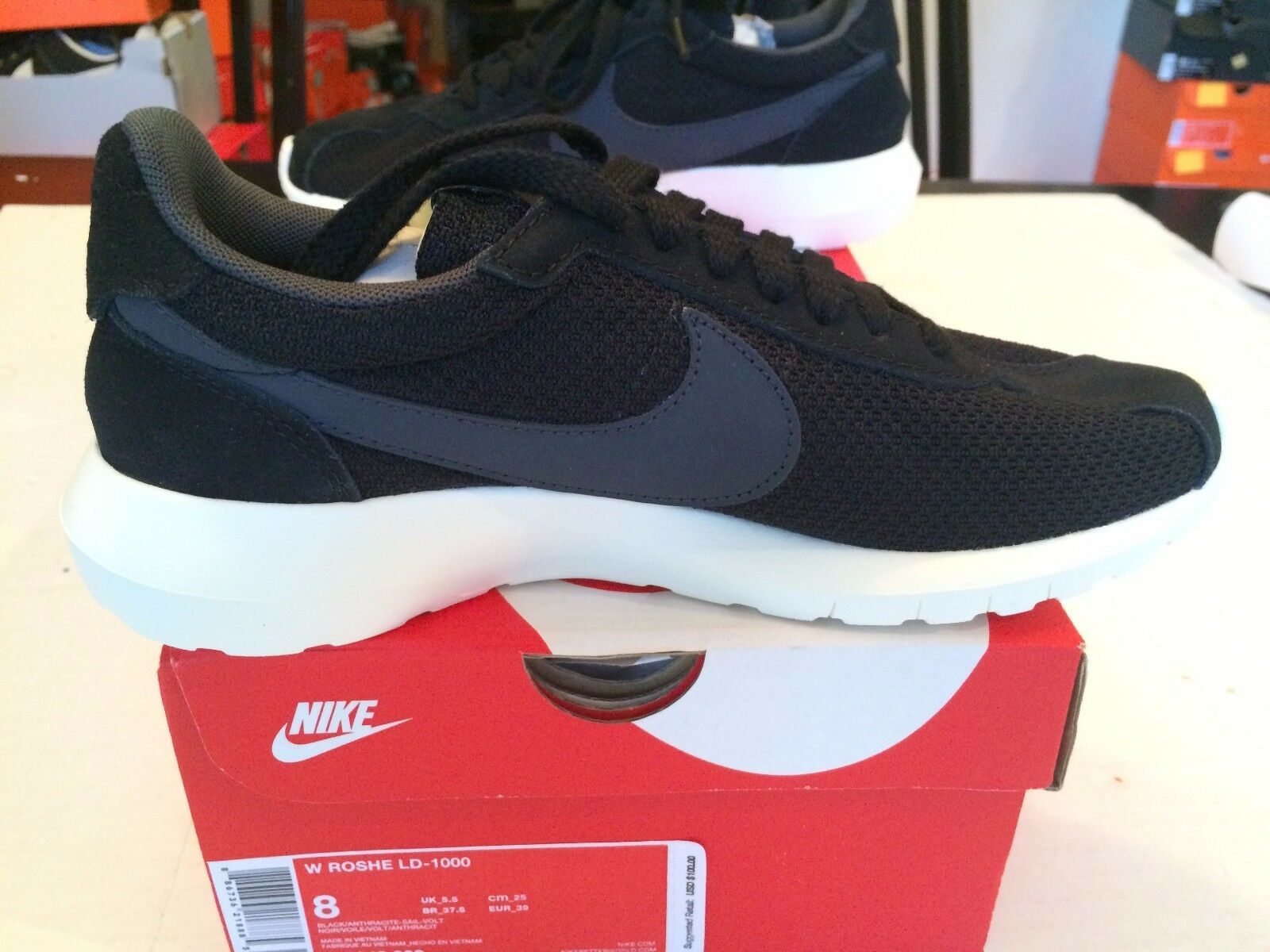 Women's Nike Roshe LD-1000 SZ 8 BLACK/ANTHRACITE-SAIL-VOLT   819843-003