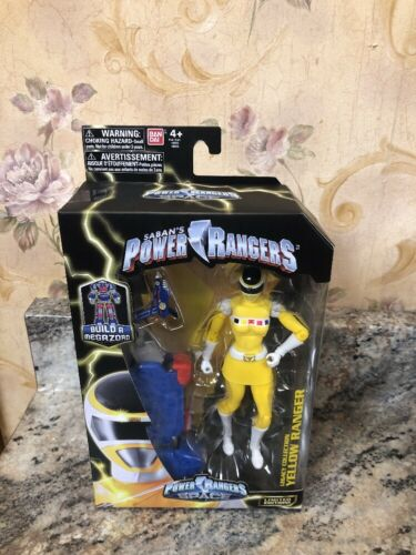 New Bandai Saban's Power Rangers Space Legacy Collection Yellow Ranger Figure