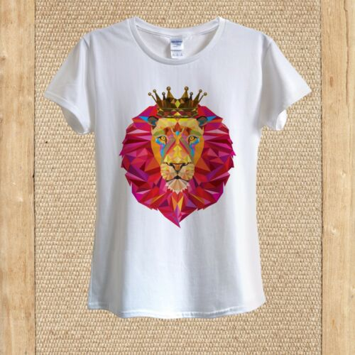 Geometric Pink Lion the King Art T­-shirt Design unisex women