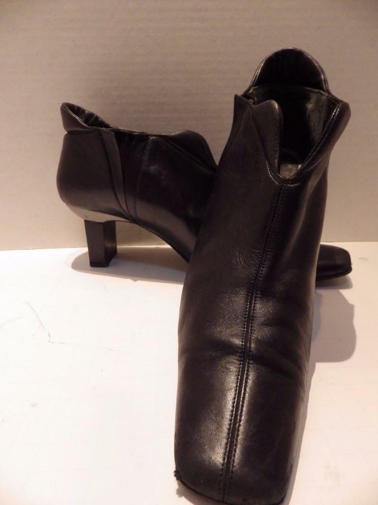 Bruno Magli Ankle Shortie Boots Black Soft Leather Slip-on Heel Size 7.5 B