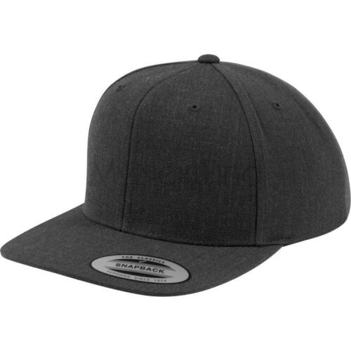 Flexfit by Yupoong The Classic Snapback