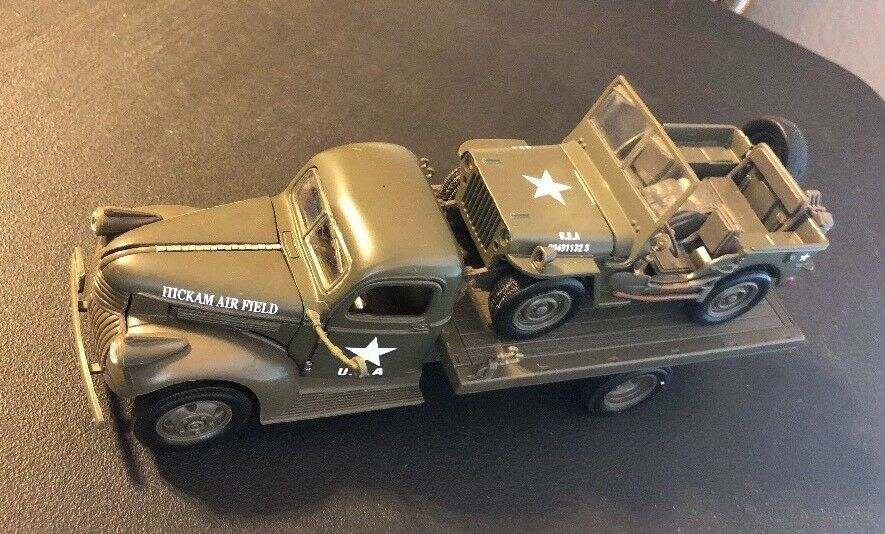 National Motor Museum Mint 1941 Chevrolet Flatbed And Willys Jeep R1