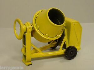 Cement Mixer Miniature Diecast 1/24 Scale G Scale Diorama Accessory Item