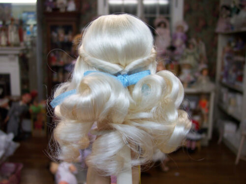 WIG FOR GINNY DOLL  LONG  PALE BLONDE
