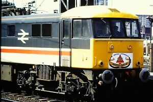 1-24-Class-86-Electric-Loco-in-a-station-Close-up-Kodachrome-Slide