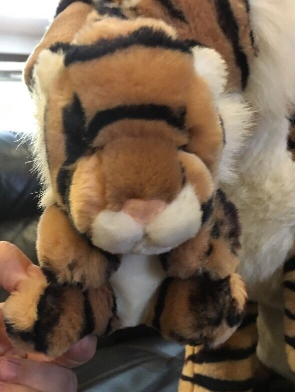 PeePah Pals Stuffed Plush Momma Tiger With Mouth Baby In Her Mouth With 6d69e5
