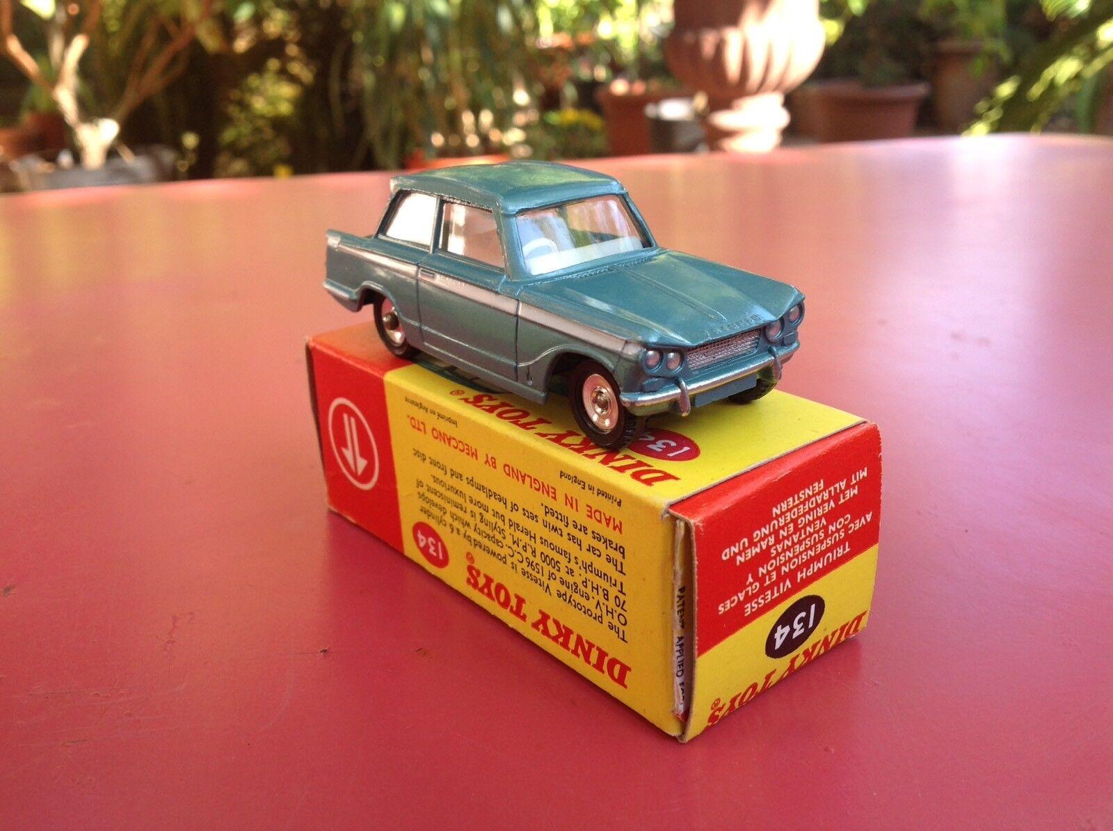 para proporcionarle una compra en línea agradable Dinky Dinky Dinky Juguetes Réf 134 Triumph Vitesse Rare intérieur gris très pal very mint in box  Precio por piso