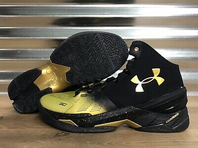 1300015-001 Under Armour UA Curry 2 Back to Back MVP Pack Shoes Gold SZ