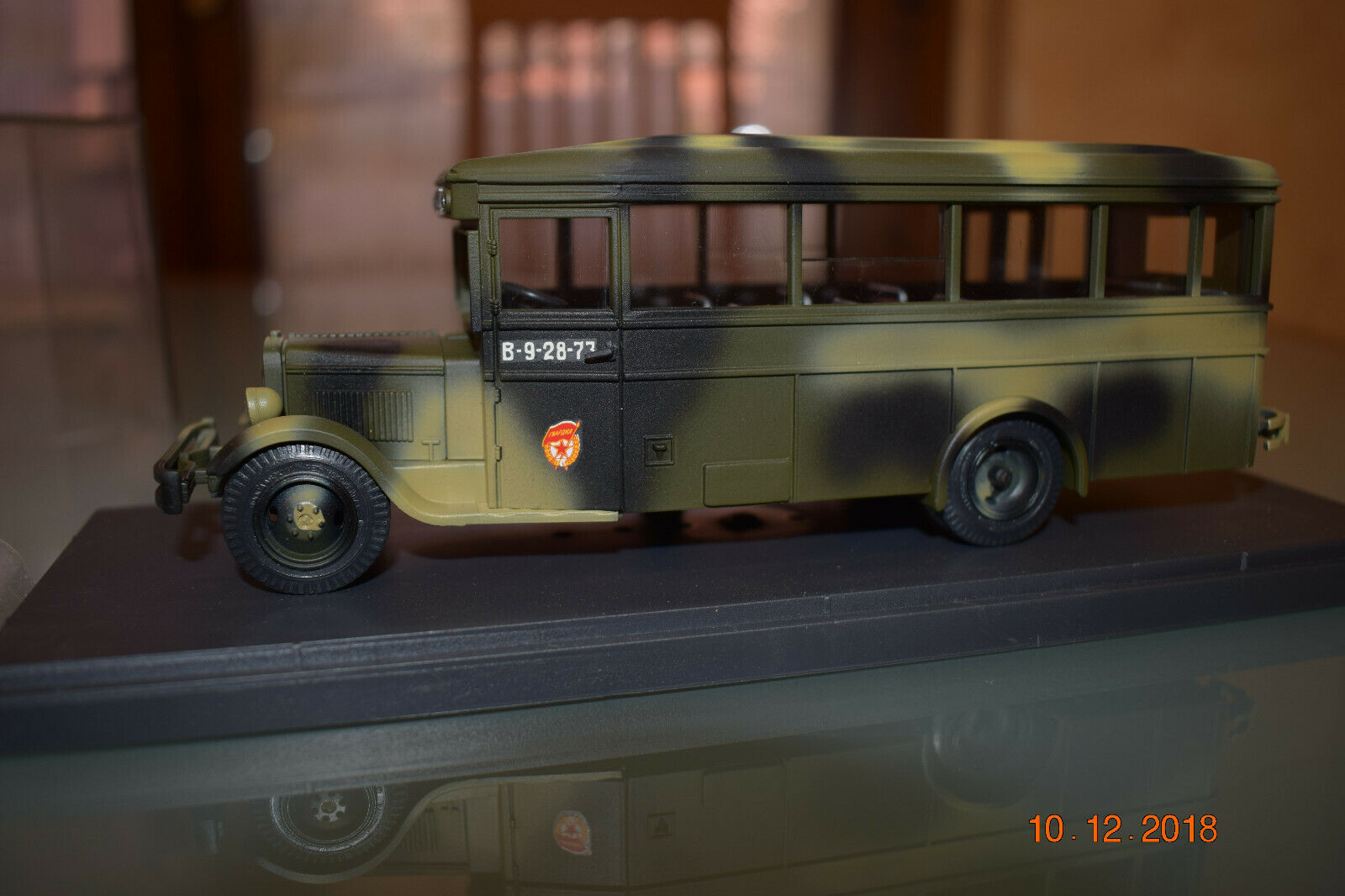 ZIS 8. 1934-1936. MINI CLASSIC  1:43 khaki