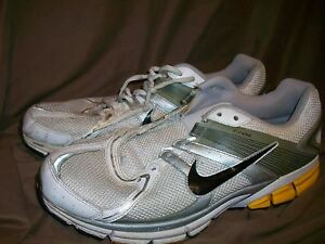 IMPERFECT) USED NIKE FLYWIRE MENS SIZE 11.5 RUNNING SHOES SILVER ... aa30f5b65