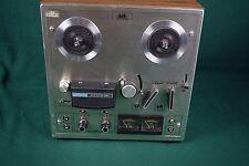 Akai 1722W reel to reel tape player / recorder