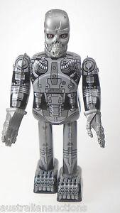 SKELETON-ROBOT-CYBORG-WALKING-CLOCKWORK-ROBOT-WIND-UP-TIN-TOY-STEEL-COLLECTOR