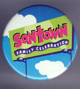 1995 pin SONTOWN pinback Family Celebration CHRISTIAN button