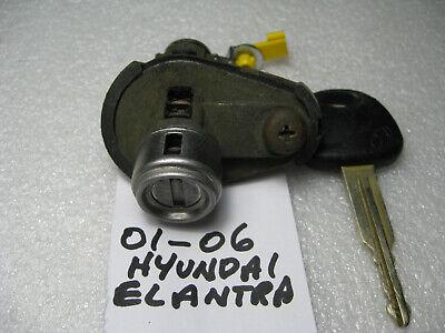 2001-2006 HYUNDAI ELANTRA TRUNK LOCK CYLINDER W// 2 KEYS USED OEM!