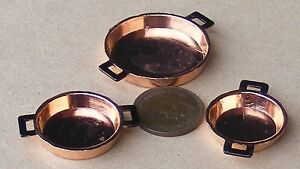 1-12-Scale-Set-Of-3-Flat-Metal-Pans-Tumdee-Dolls-House-Miniature-Kitchen-714