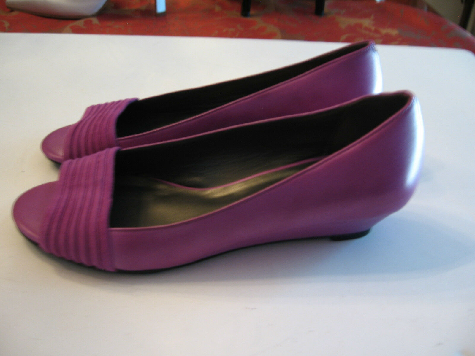 NEU COLE HAAN PURPLE SUEDE/LEATHER WEDGE SIZE 5 1/2 B