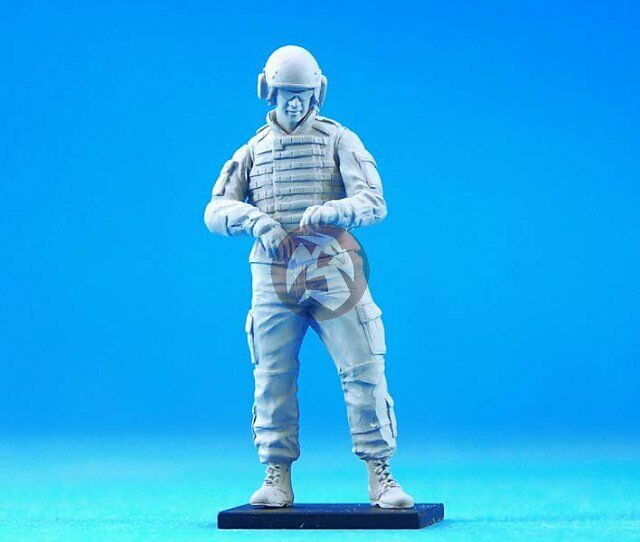 Legend 1/35 Modern US AFV Crew Soldier #1 (w/2 left arm choices) [Resin] LF0125