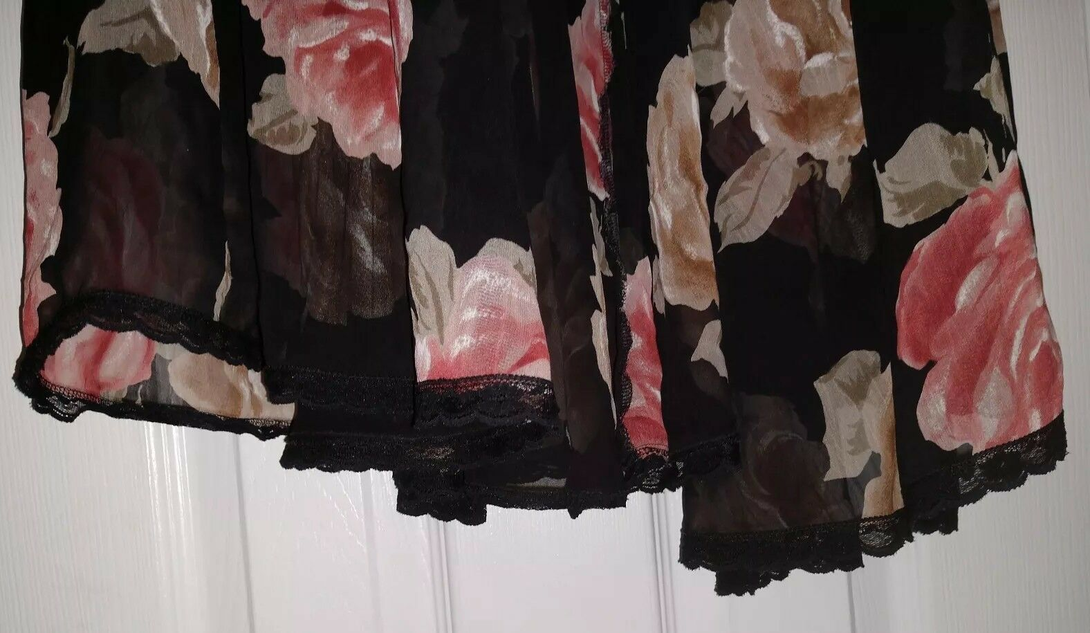 Lucie Ann Vintage Floral Sheer Size Small  - image 9