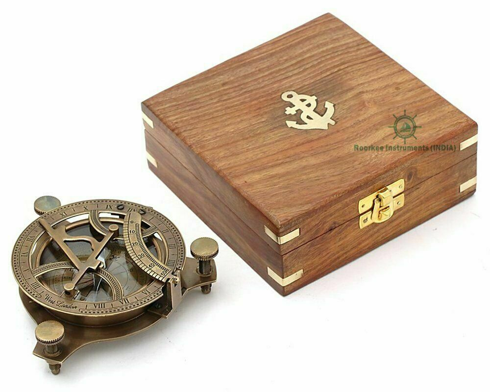 Best Presents for Him/Vintage Burnished Brass Sundial Compass with Wooden Box