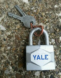 Vintage Yale Chest Lock w Keys