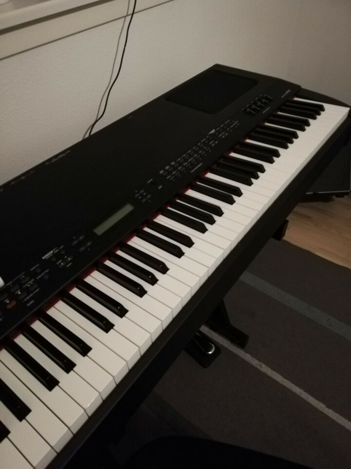 Evt. Køb af Yamaha CP-300 stagepiano. Produkt s...