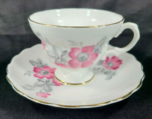 Vintage-Crown-Bone-China-Made-in-England-Tea-Cup-amp-Saucer-Pink-Poppie-Gold-Rim