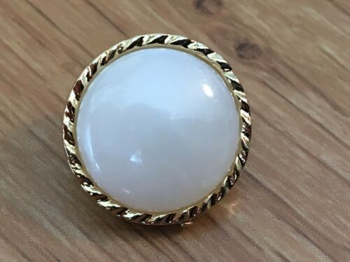 30 X Borde De Oro Metal Aspecto elegante centro de perla 15mm atrás Botones De Caña