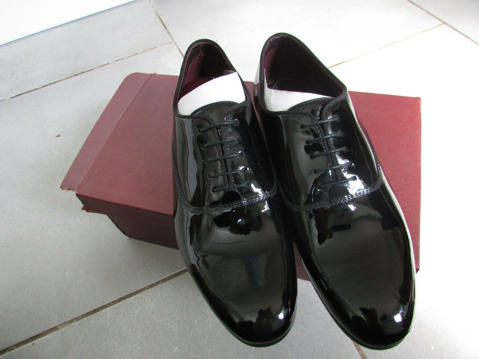 MENS TOP QUALITY BLACK PATENT OXFORD SIZE 12