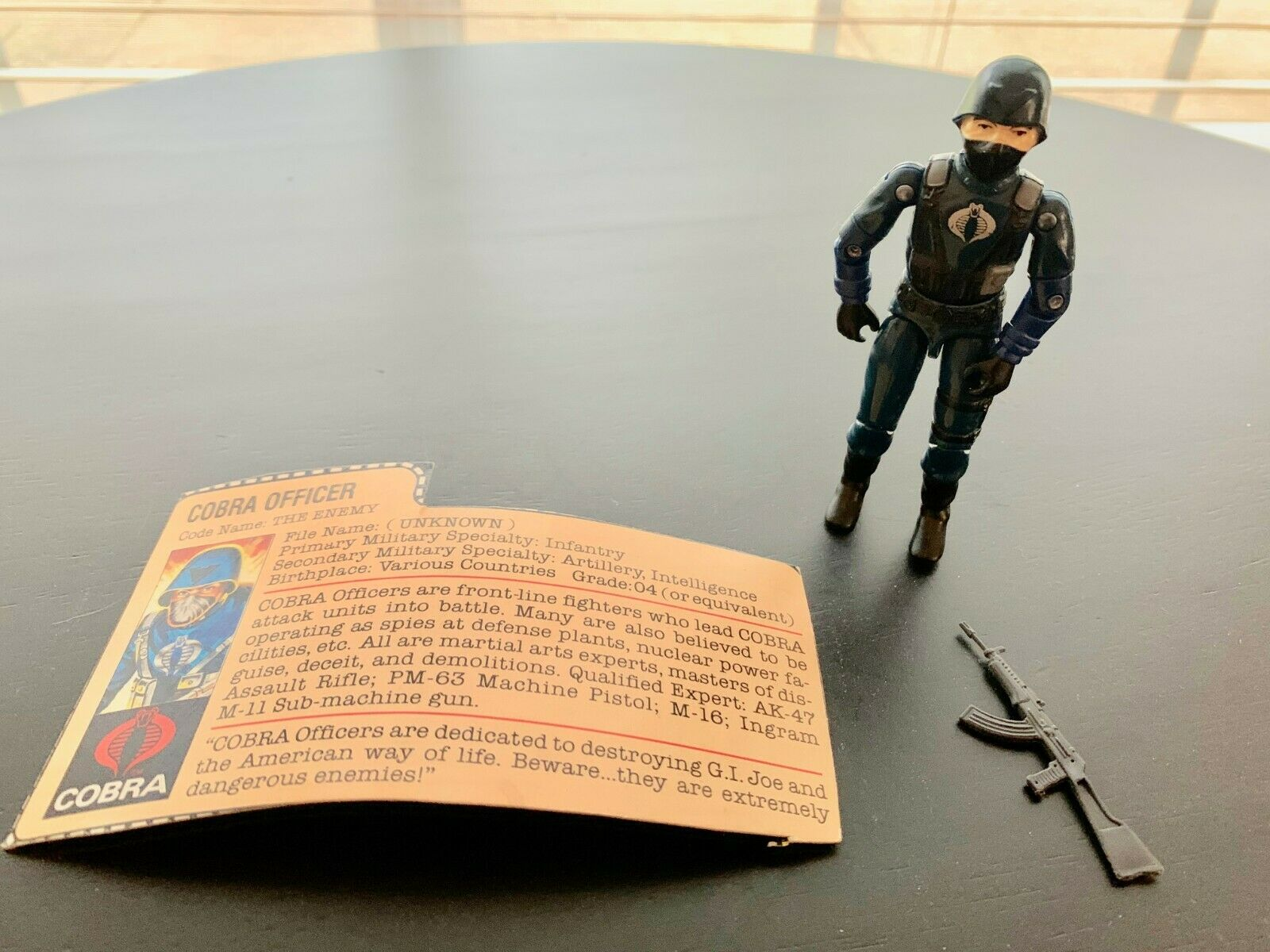 1983 Hasbro GI Joe 8283 COBRA OFFICER azione cifra File autod Compete