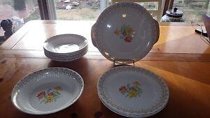 Vintage Royal CHina USA Gold Splendor Plates Bowls Cake Platter dish 24pcs