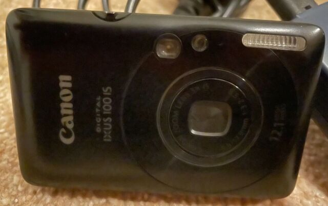 Canon IXUS 100 IS 12.1MP Digital Camera - Black with 4GB SD Card, Charger & Case