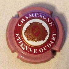 Capsule de champagne OUDART Etienne (14. fond bordeaux clair)