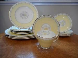Wedgwood-Cynthia-bone-china-lot-of-ELEVEN-pieces-W3976
