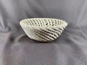 VTG-NOS-Vintage-Italian-CAPODIMONTE-Woven-Ceramic-basket-Plain-j39