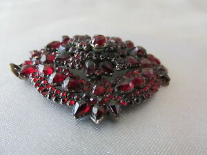 Antique-Bohemian-Garnet-Pendant-Deep-Red-Gilt-Gold-Metal-3D