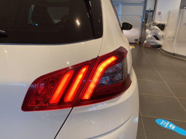 Peugeot 308 1,5 BlueHDi 130 Selection Sky - billede 3
