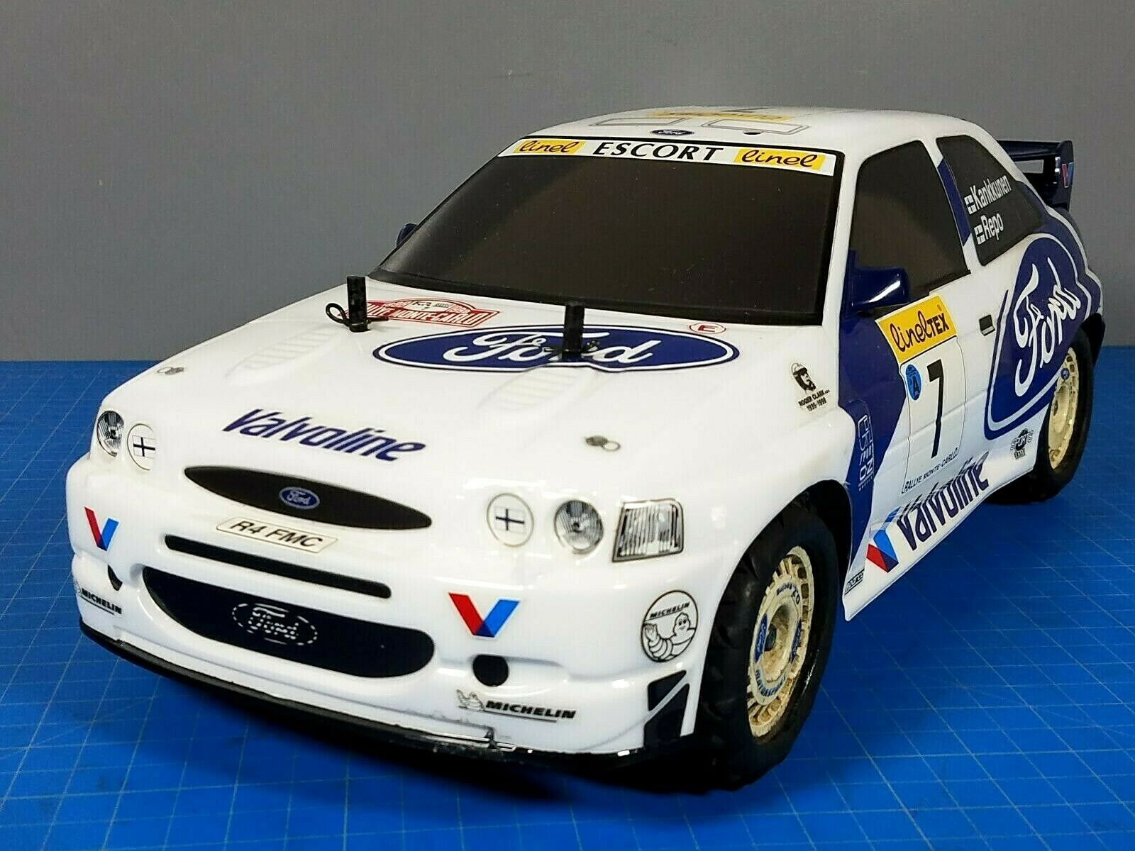 Vintage Tamiya 1   10 R C WRC Ford Escort Rtuttiy auto Cosworth + Futaba ESC Servo  spedizione veloce a te