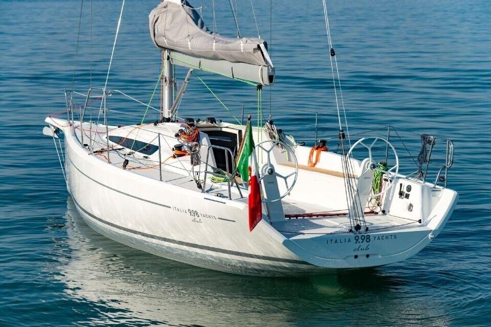 Italia Yacht 9.98 Club, årg. 2017, fod 33